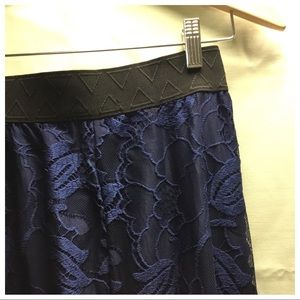 🦄🦄NAVY BLUE LACE LUCY SKIRT BY LULAROE